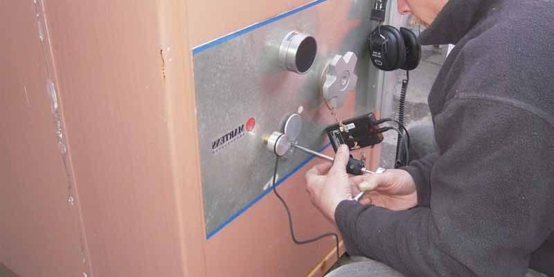 Cerrajero abre caja fuerte